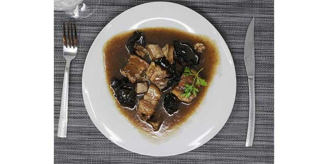 cerdo estofado al estilo Sichuan